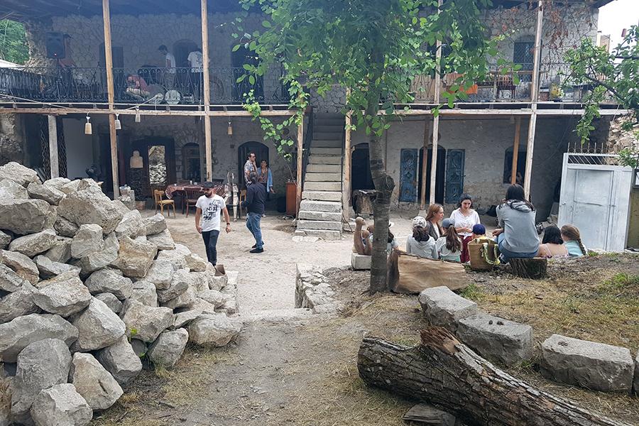 Shushi Narekatsi center