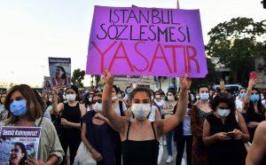 Turkey women protest