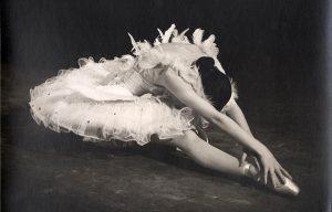 "Anna Pavlova ""Dying swan"""