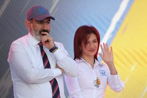 Nikol Pashinyan & Anna Hakobyan