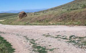 Apaven village road