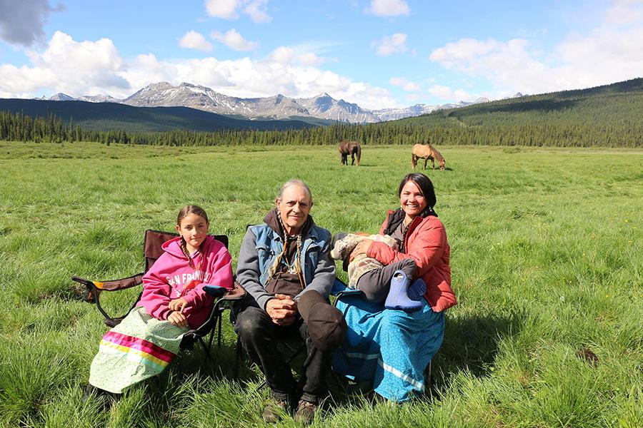 Arnak Zortan family