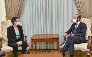 Anne Louyot & Mirzoyan