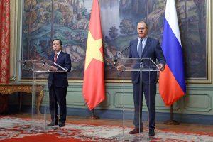Lavrov & Bui Thanh Son